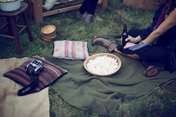 Kinfolk_Web_Backyard-Cinema_53