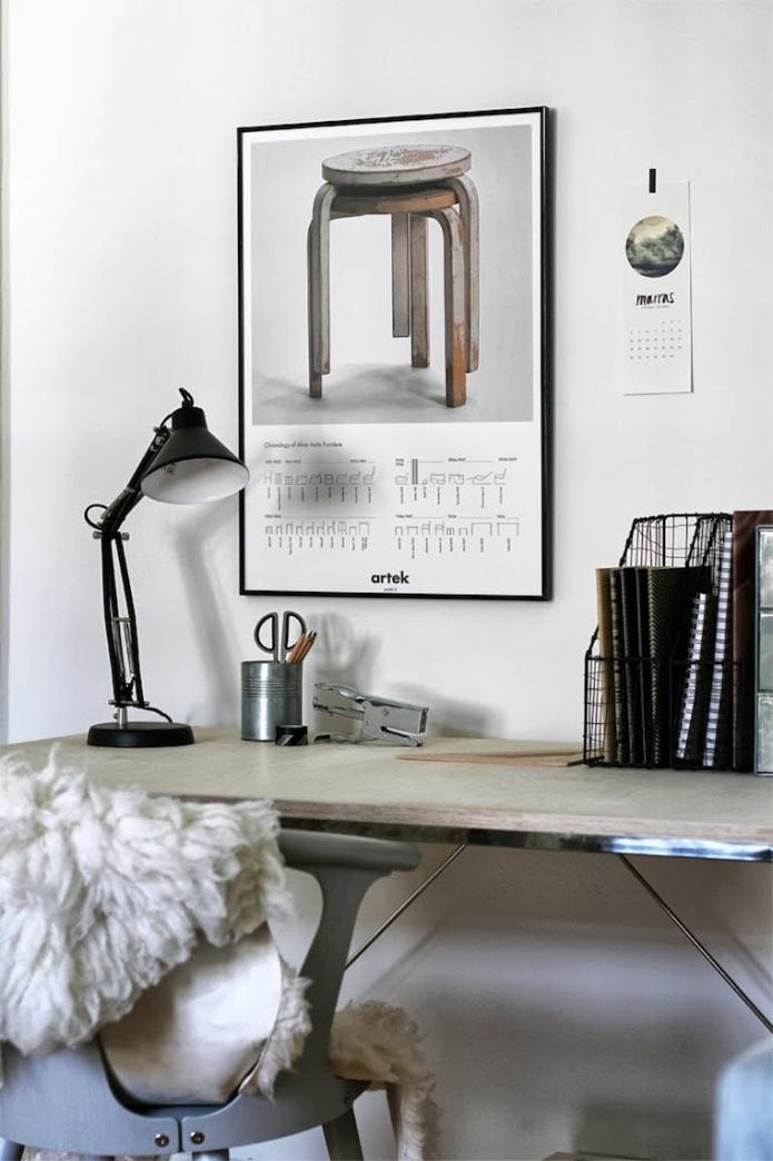 Escritorio salón, mesa metal cristal ahumado, reutilizada tablero de madera